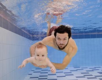 20201031-Familie unter Wasser